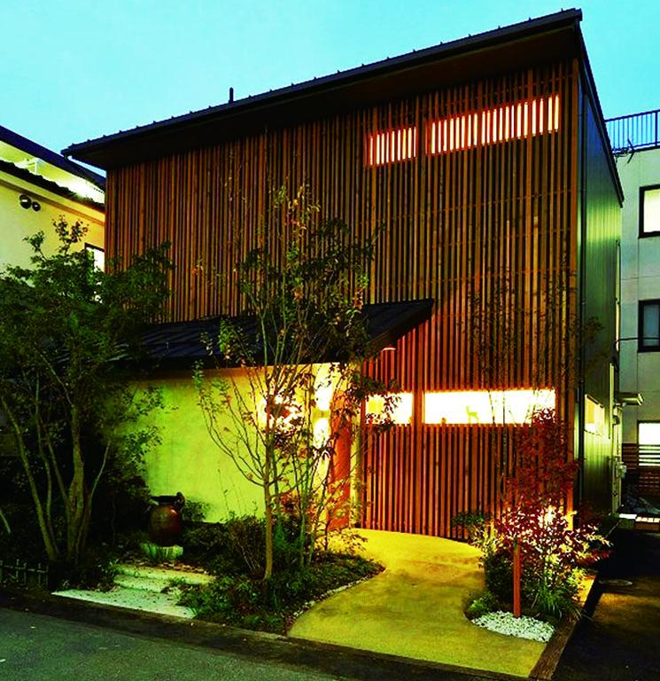 創業50余年のお茶の老舗・おづつみ園が、日本茶の良さを未来に伝えるべく、 ついに本格的カフェをオープンしました。